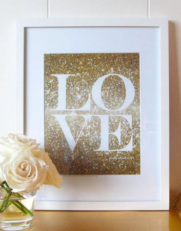 Glittery gold love print | prettychicsf