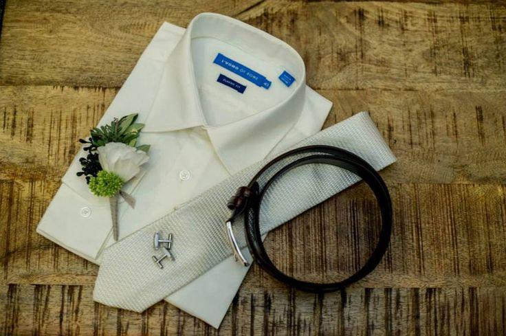 #willowbud #wedding #hinterland #bride #flowers #buttonhole