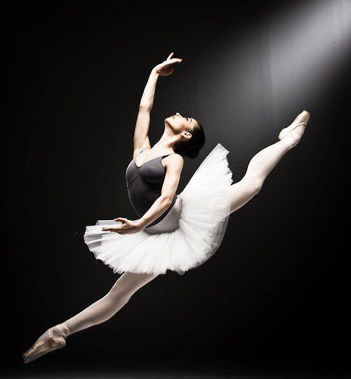 www.theworlddances.com/ grandjete leap ballet dance