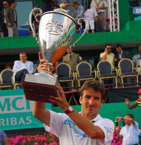 Tommy Robredo cu trofeul de la Casablanca