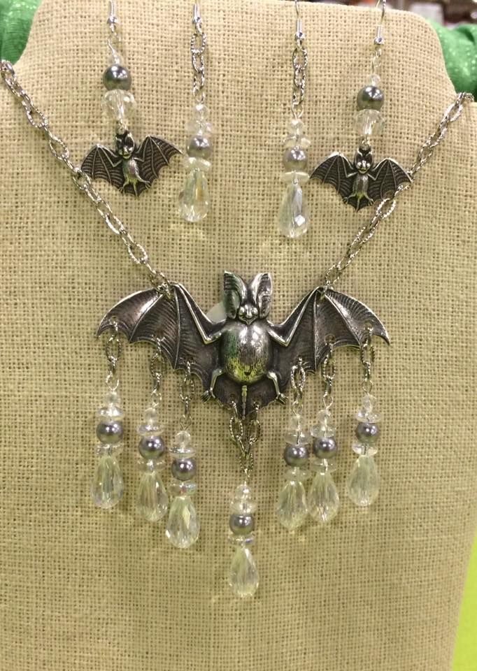 What's In a Haul, It's Bat Time Again, Free Locket and Big Discount From B'SUE BOUTIQUES. WOW!.....