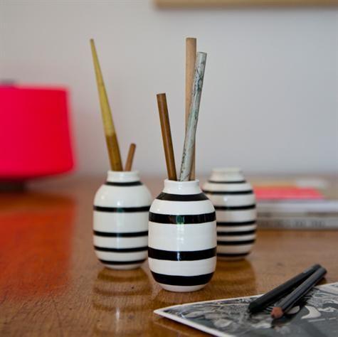 Omaggio Minature Vaser 3-pak sort og hvid fra Kähler. (Mini). Så søde og smukke…