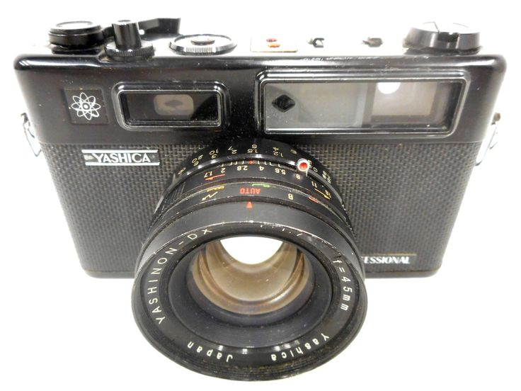 Vintage Yashica 35mm Camera Model Electro 35 Professional, Yashinon DX Copal 1.7, f-45mm Lens
