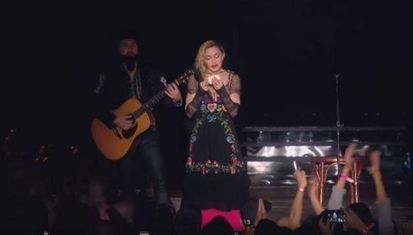 Madonna llora por las víctimas de París durante un concierto | Radio Panamericana