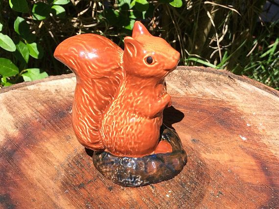Beswick squirrel / beswick whiskey decanter / vintage Beswick #beswick #beswickfigurines #beswickanimsls #beswickanimalfigurines #beswicksquirrel #whiskeydecanter #vintagedecanter #animaldecanter #beswickdecanter #whiskeygifts