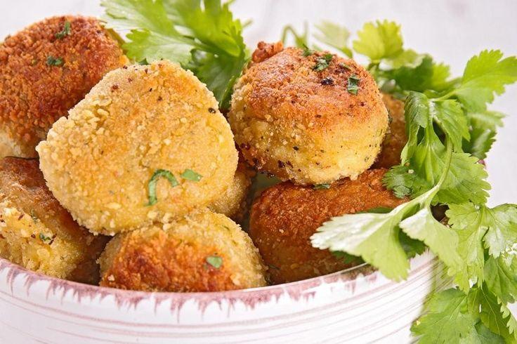 Le polpette di zucchine e ricotta sono un secondo piatto molto goloso, particolare e perfetto anche per i più piccoli. Ecco la ricetta