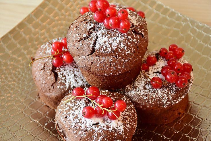 Fındıklı kakaolu top kek nasıl yapılır? Top kek tarifi, doğum günü partisi için cupcake nasıl hazırlanır? KOLAY FINDIKLI TOP KEK Mutlaka DENEMELİSİNİZ.