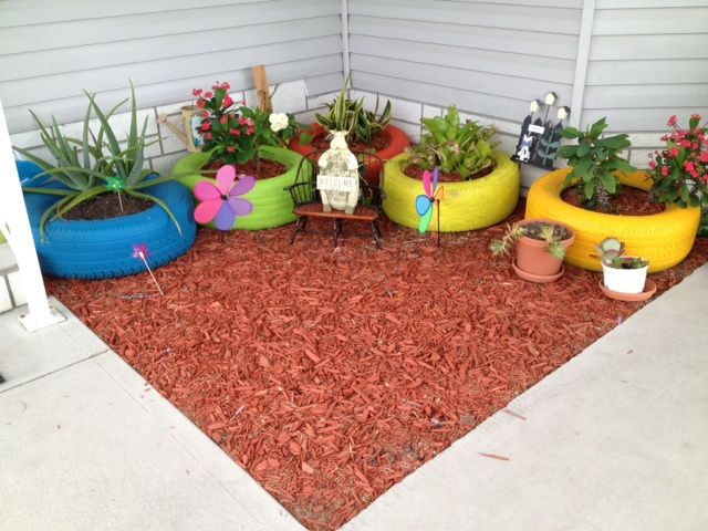 Hometalk :: THIS IS MY WAY OF RECYCLING OLD TIRES, PAINT THEM IN DIFFERENT COLORS,…