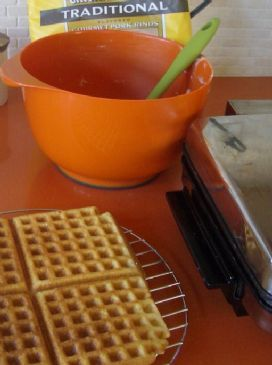 A delicious breakfast with these low carb pork rind waffles!