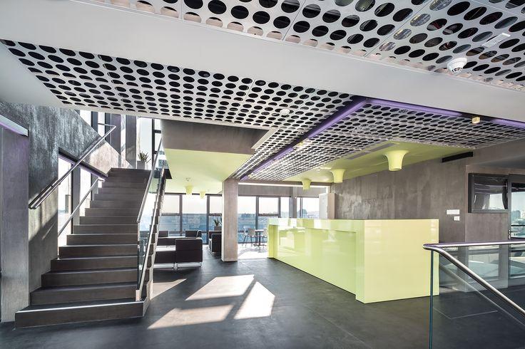 AGH w Krakowie, Armstrong, sufity podwieszane, ceiling, sufit akustyczny, acoustic, sufity metalowe, Metal Clip-In