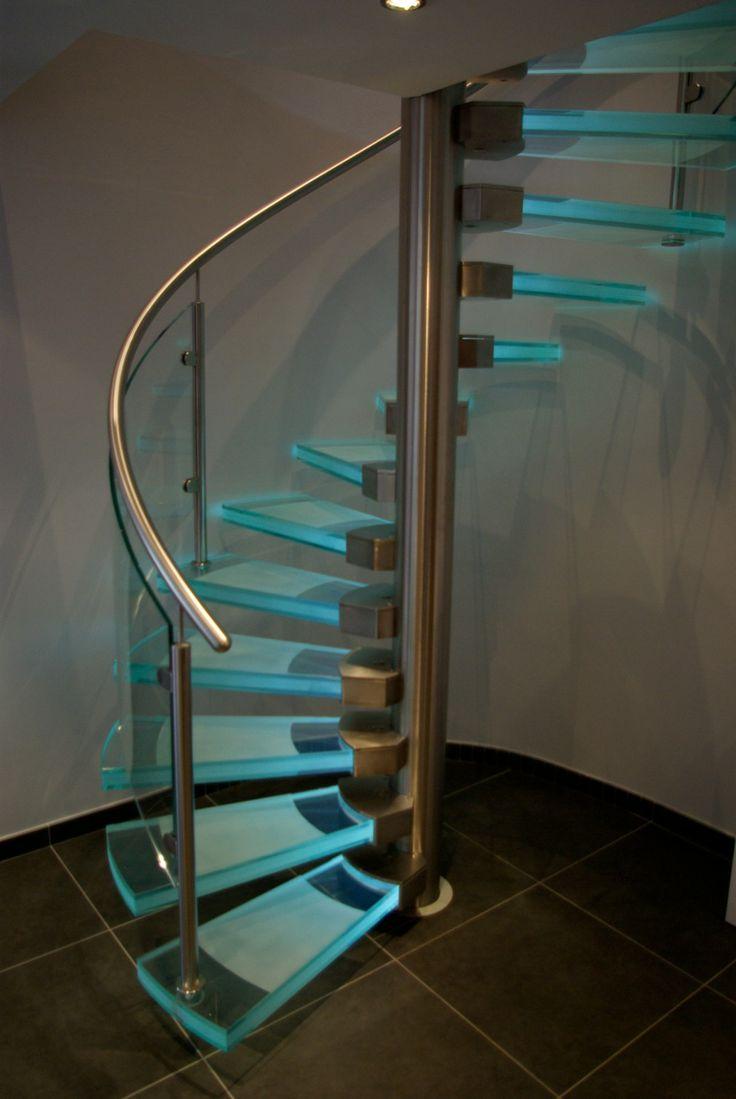 die besten 17 ideen zu gewendelte treppe auf pinterest stiegengel nder rustikale heimb ros. Black Bedroom Furniture Sets. Home Design Ideas