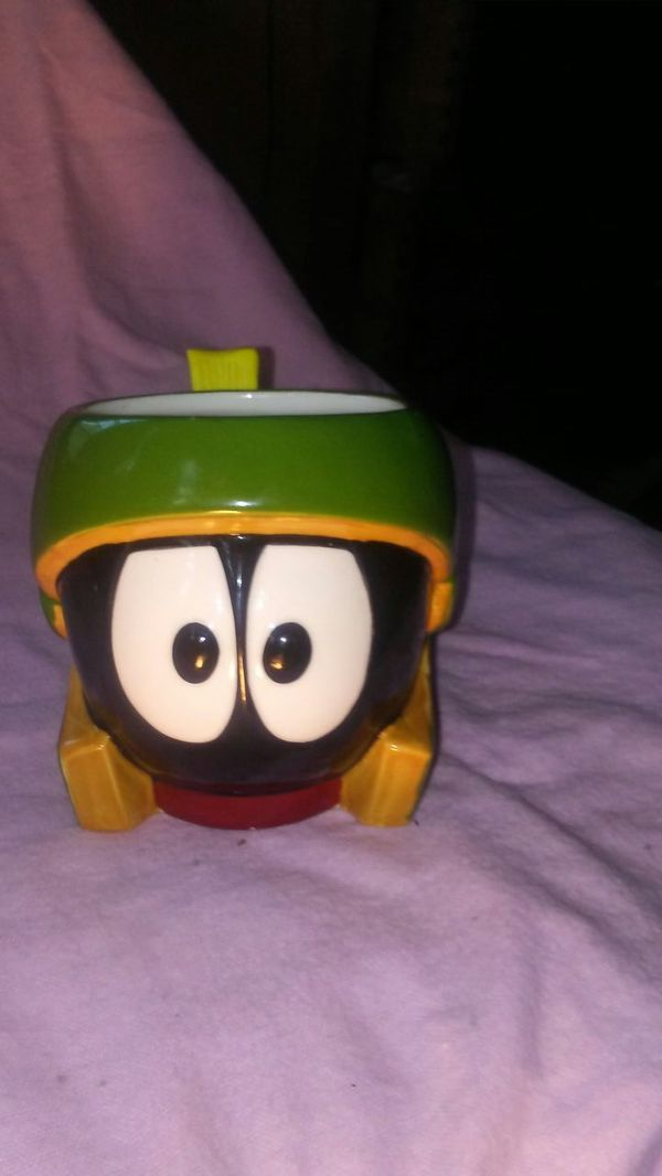 WARNER BROS. MARVIN THE MARTIAN CERAMIC COLLECTIBLE MUG