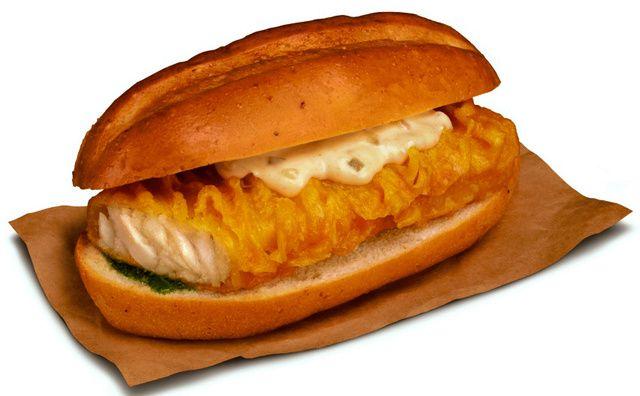 ケンタッキーフライドチキンの「フライドフィッシュサンド」 ▼25Jan2014朝日新聞 リンゴにメキシコ風、辛ミソ… 変わり種バーガー続々 http://t.asahi.com/dsm4 #KFC #Kentucky_Fried_Chicken #japan