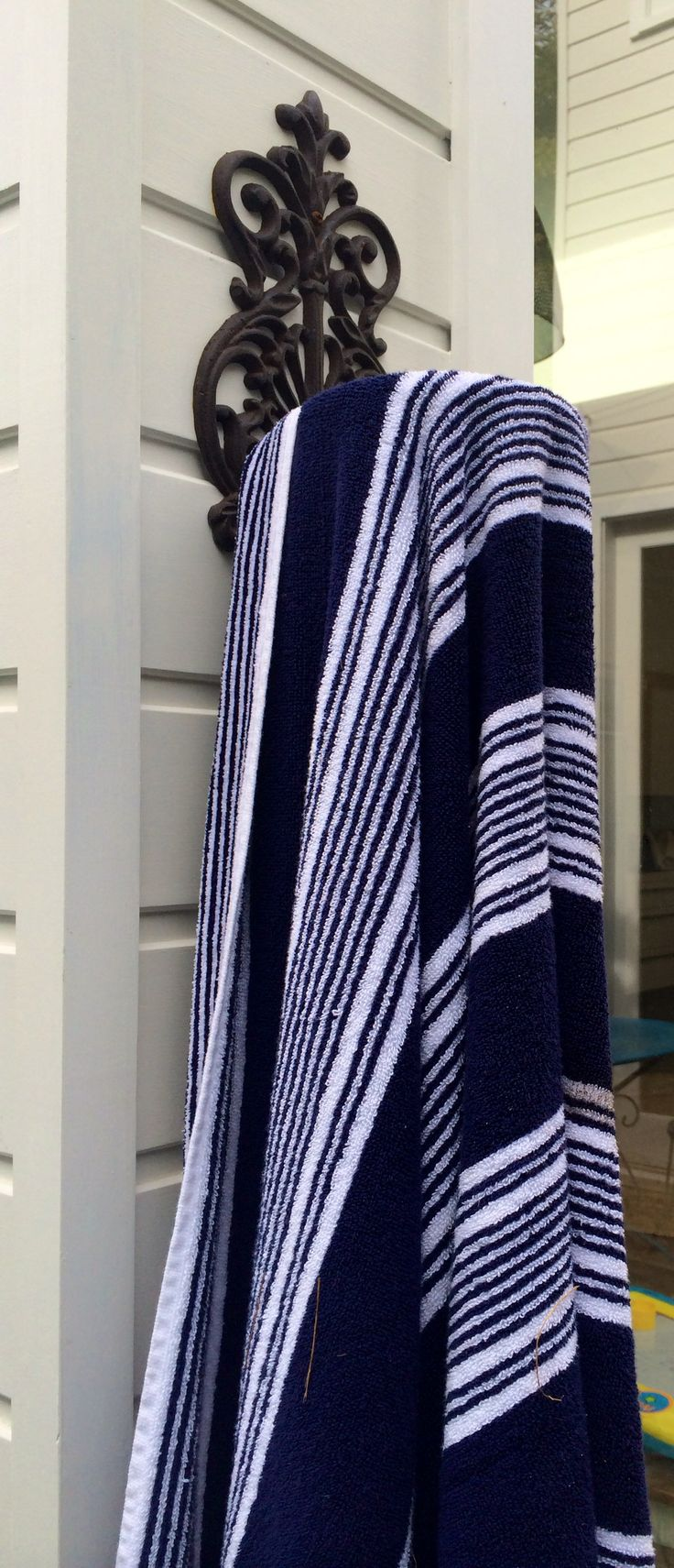 beachstyle, casual living blue and white, cladding for a casual beach feel