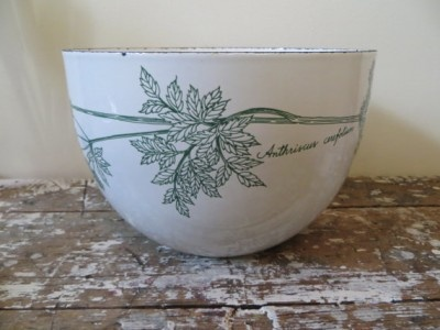 Arabia of Finland Finel Kaj Franck Enamelware Bowl Anthriscus Cerefolium by:-shoppnspree