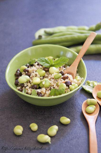 insalata di bulgur, quinoa e legumi by Elisakitty's Kitchen, via Flickr