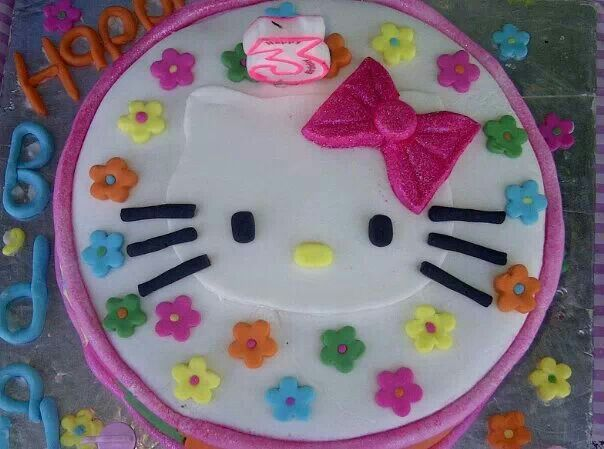 Hello Kitty was the order when my eldest daughter turned 3.