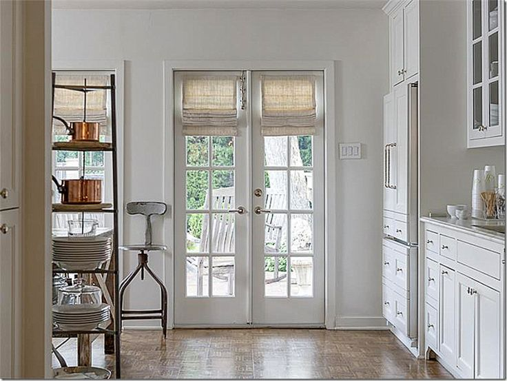 best 25 roman shades french doors ideas on pinterest roman shades for doors kitchen blinds. Black Bedroom Furniture Sets. Home Design Ideas