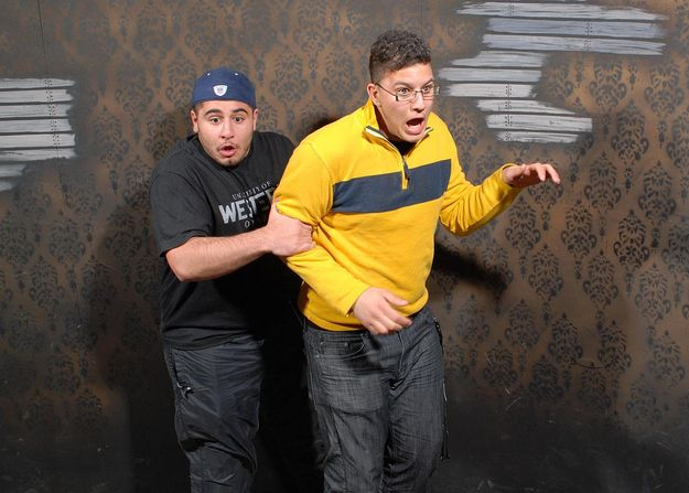 Scared Bros At A Haunted House - BuzzFeed Mobile