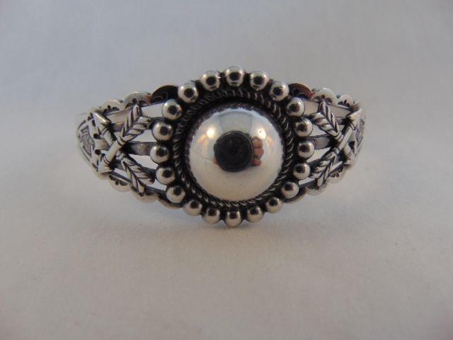 Vintage NAVAJO zilveren dome en pijlen armband
