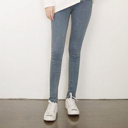 Womens Clothing Store [VANILLAMINT] no.401 Jeans / Size : 25-32 / Price : 33.64 USD #dailyllook #dailyfashion #fashionitem #bottom #pants #jeans #skinnypants #skinnyjeans #denim  #ootd #vanillamint http://en.vanillamint.net/ http://cn.vanillamint.net/ http://jp.vanillamint.net/