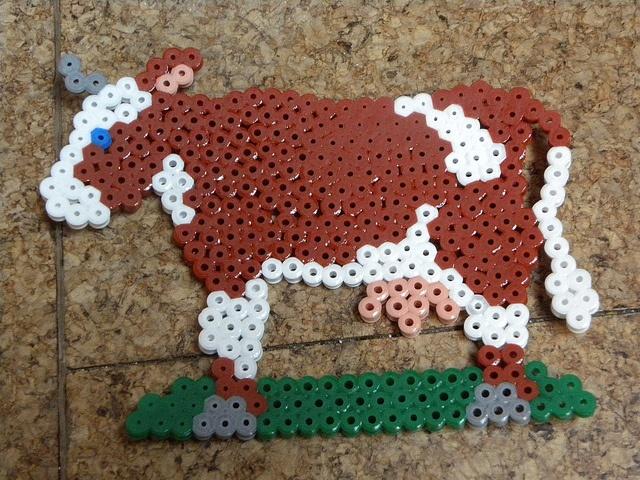 Kuh Bügelperlen by sarahamina