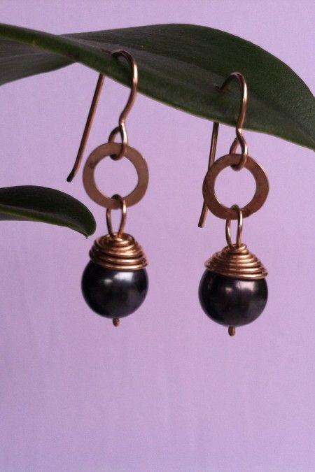 Gold Hammered Gold Circle Design And Tahitian Pearl Earrings at Hawaii Jewel