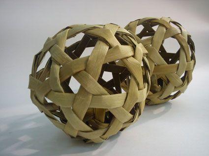 Harakeke balls
