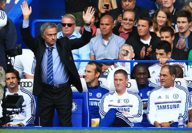 Sponsorbola.net - Agen Bola Terpercaya - Akan memberikan informasi seputar Chelsea Sudah Bicara dengan Pengganti Mourinho, Chelsea disebut sudah bersiap menjalani kompetisi tanpa kehadiran Jose Mourinho, dengan menyusun daftar berisi empat nama sebagai calon manajer baru mereka.