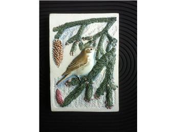 Gransångare Medelpads Landskapsfågel. Design Staffan Johnson 15 x 10,5 cm # 292-7