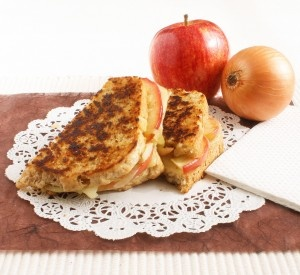 Maple-Apple and Caramelized Onion Grilled Cheese Sandwich