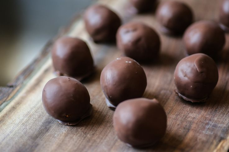 Raw Vegan Truffles - to get my recipes delivered directly to your inbox, sign up for my free newsletter at www.inspiredbodies.com