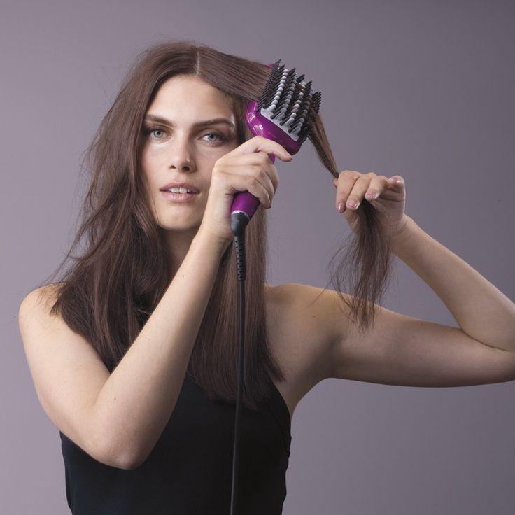 BABYLISS HSB100E ΒΟΥΡΤΣΕΣ ΜΑΛΛΙΩΝ - saveit.gr - Μια νέα τεχνική ισιώματος για λεία και λαμπερά μαλλιά, για φυσικό αποτέλεσμα! Ισιώνει με μία μόνο κίνηση! Διπλός κύλινδρος ιόντων κατά του φριζαρίσματος και για τη μέγιστη φροντίδα της τρίχας. Τα μαλλιά βγαίνουν 3 φορές πιο λαμπερά! Μοναδικός συνδυασμός 3 τύπων τρίχας: Σκληρές τρίχες για αποτελεσματικό ξεμπέρδεμα Τρίχες σιλικόνης για άνετο styling Κεραμικές τρίχες για ίσιωμα σε βάθος 3 επιλογές θερμοκρασίας 160°C για λεπτά και ευαίσθητα μαλλιά…