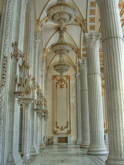 Im Palast des Parlamentes - Bucharest, Romania