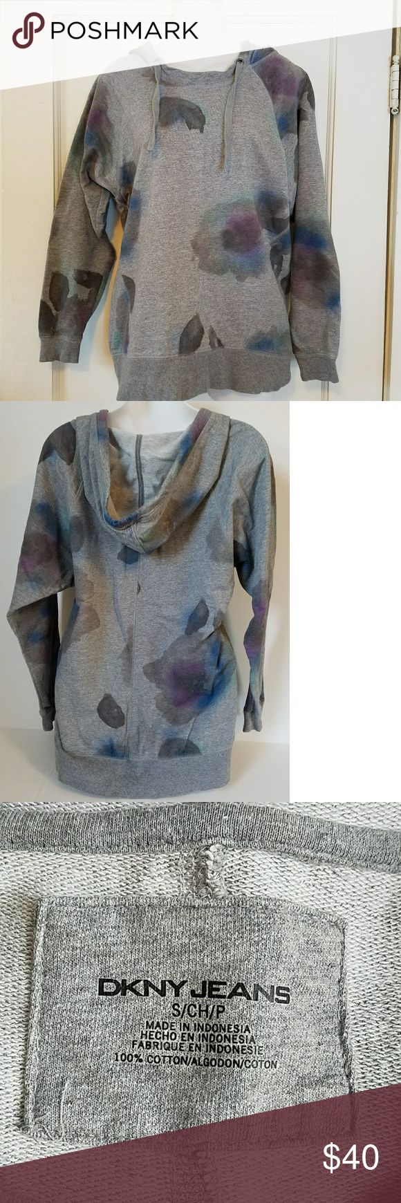 DKNY 100% cotton gray floral hoodie sz SM DKNY 100% cotton floral hoodie. Excellent used condition! No holes, stains or wash wear.  - gray with water color floral design - loose fitting - machine washable - 100% cotton - size Small  I love offers! Feel free to submit an offer through the offer button. DKNY Tops Sweatshirts & Hoodies