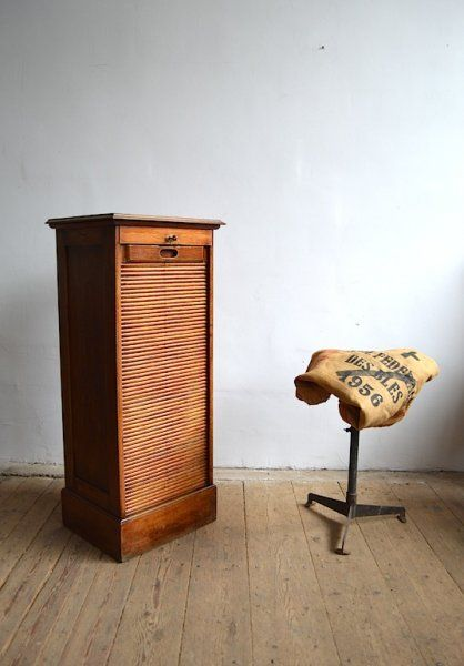 Graceful old cabinet - artKRAFT