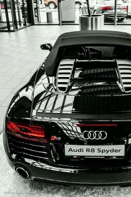 Audi R-8. It was love at first sight. #datass