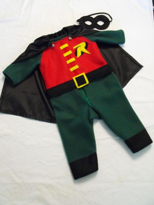 Robin costume for ZackRobin Costumes, Dresses Up, Halloween Costumes, Bunk Beds, Christine Trevino, Baby Costumes, Batman Costumes, Kids Costumes, Craftaholics Anonymous