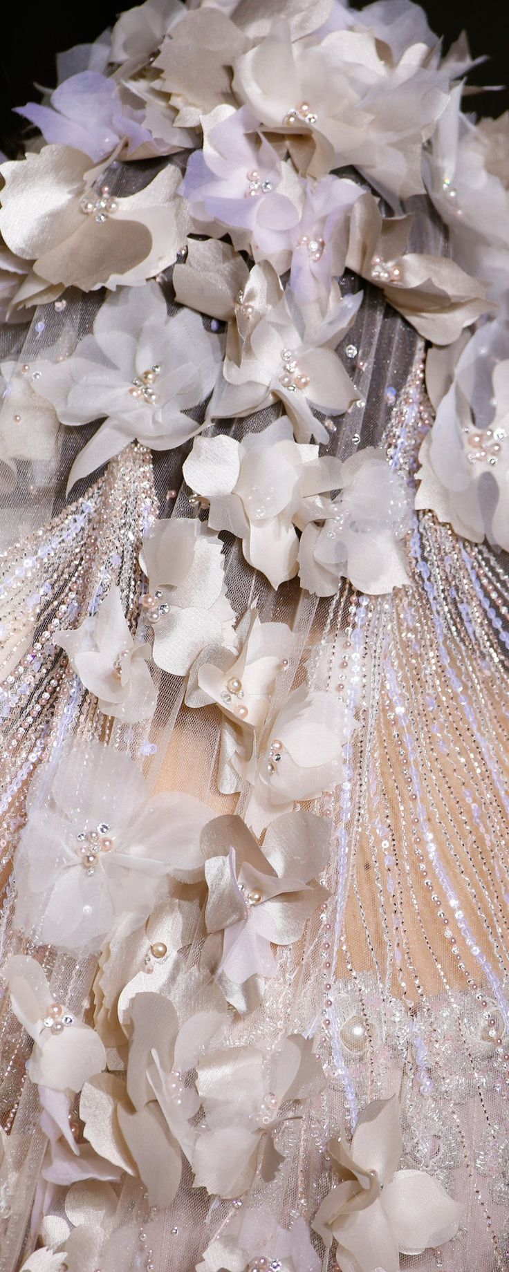 Georges Hobeika Spring-summer 2017 - Couture - http://www.orientpalms.com/Georges-Hobeika-6617