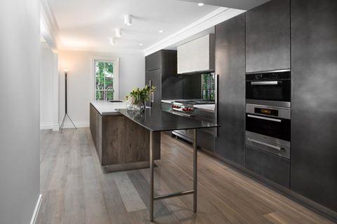 #DomenicoMori Project by Boffi Studio Sydney Rustica Light legno doppio Smoked pavimentazione cucina. #MoriDomenico #wood #stylish #kitchen #tiles #hood #boffi