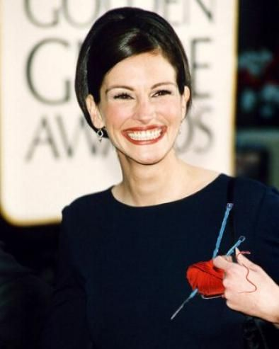 Famous Knitters – Julia Roberts