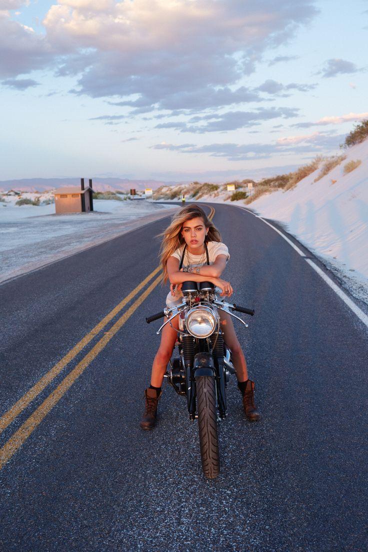 caferacerpasion:  More photos -> http://www.caferacerpasion.com/fotos-de-motos-cafe-racer-bobber-custom-y-cultura-motera/