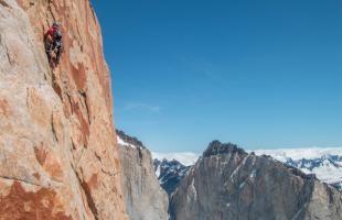 Temperaturas bajo cero, fuertes vientos y cuerdas atascadas son solo algunas de las dificultades que vivieron estos tres hermanos para alcanzar las cumbres de las Torres del Paine.