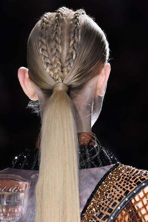 1000 id es propos de demi queue sur pinterest coiffures de l 39 hiver cheveux de f te et - Demi queue chignon ...
