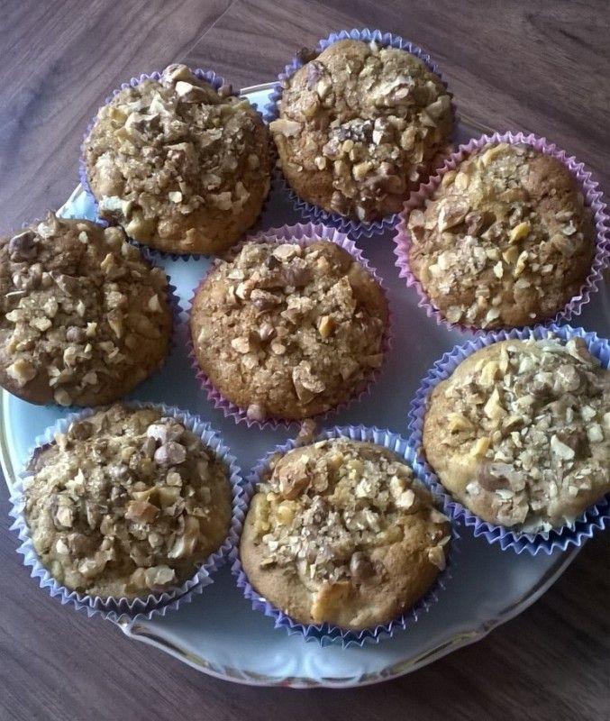 Moje Wypieki | Muffinki korzenne z jabłkami i orzechową posypką
