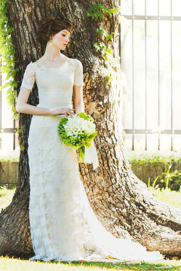 #SIENNA  #NOVARESE #weddingdress #Temperley London #ノバレーゼ #ウエディングドレス #スレンダー #レース #テンパリー・ロンドン
