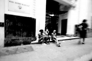 Bimbe in strada