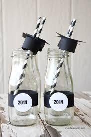 Resultado de imagen para centros de mesa para fiesta de graduacion universitaria