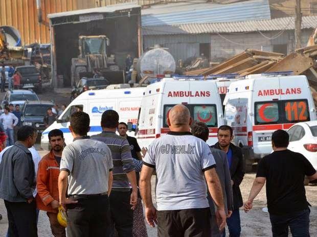 Mine Explosion in #Turkey Kills 5 Traps 300