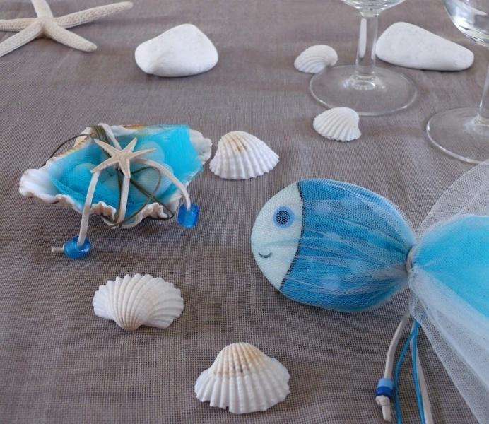 - Μπομπονιέρες favor painted rock  http://www.lucreativestudio.gr/activities/wedding-baptism/wedding-invitations-favors/#prettyPhoto[gal]/1/